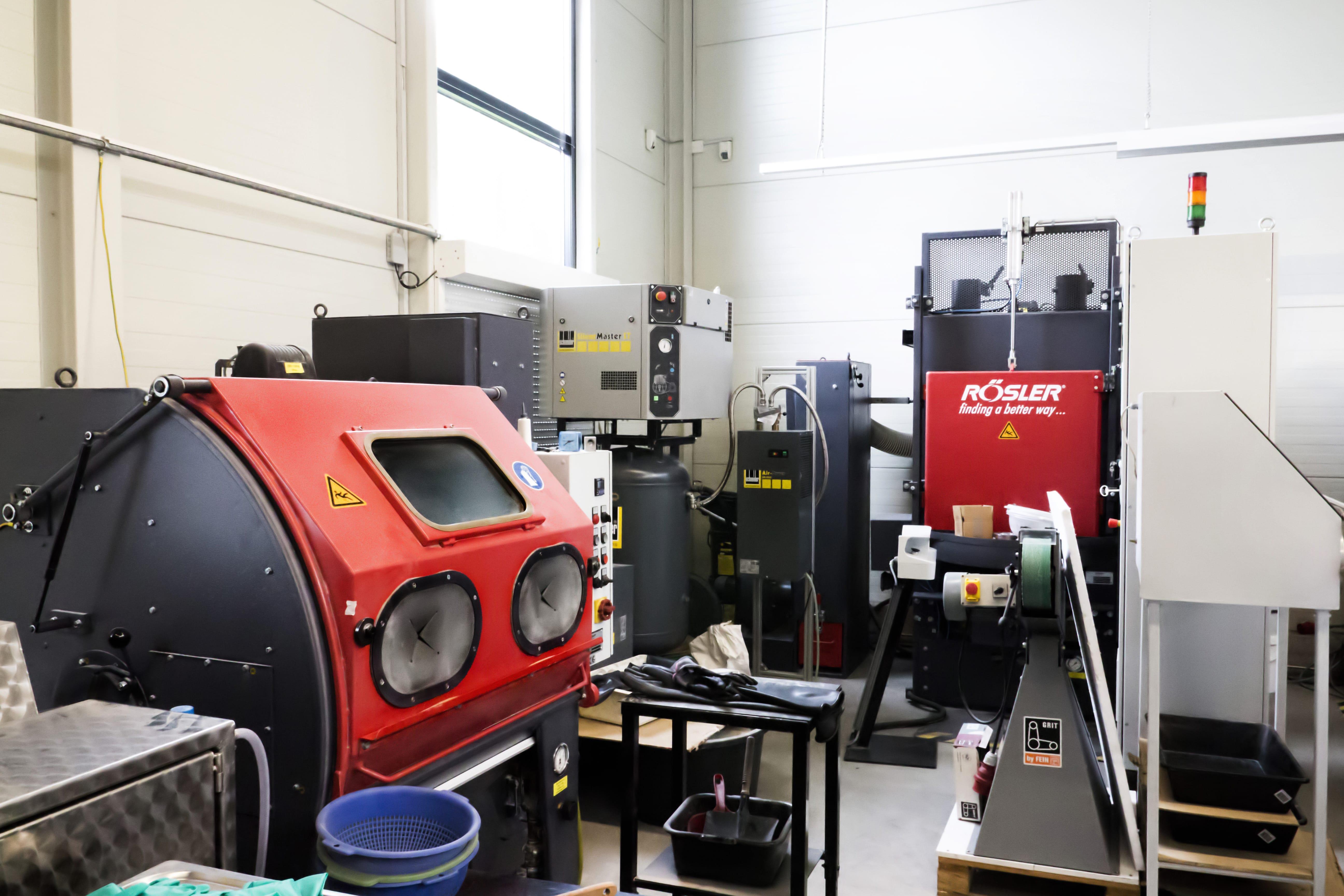 Sandstrahlen Anton Ritter Industrieteilebearbeitung